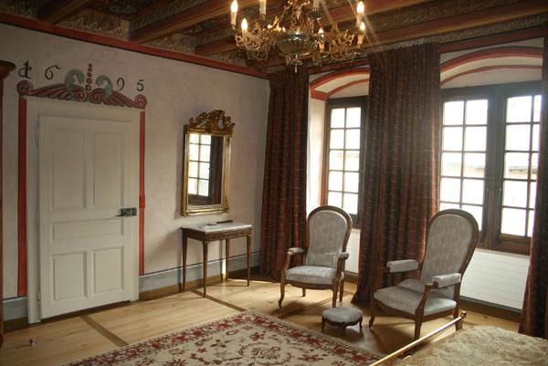Chambre 9 aux neuf muses for Le miroir d ambre